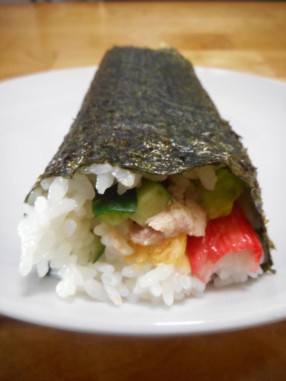 恵方巻に◇ツナとかにかまのサラダ巻寿司