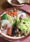 鍋 魚も肉も野菜も盛り盛り〜