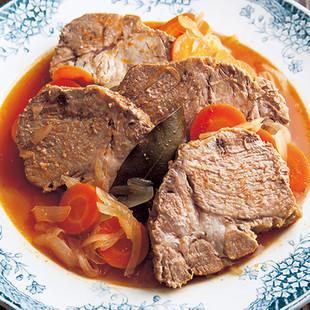 豚かたまり肉の白ワイン煮