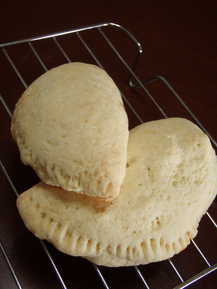 簡単すぎる♬手抜きカルツォーネ風なパン