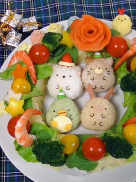 クリスマスサラダ♥すみっコぐらしデコご飯
