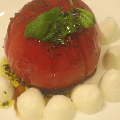 トマトまるごとカプレーゼ サラダ