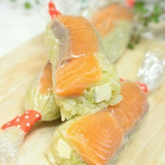 サーモン&アボカドで♡スティックお寿司