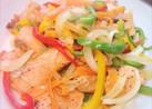 たっぷり彩り野菜とサーモンのムニエル