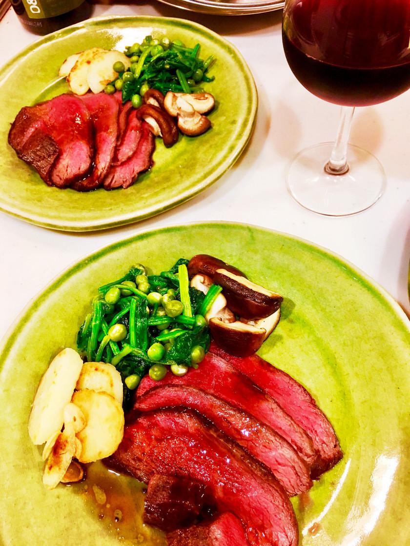 牛肉のタタキ  ロースト・ビーフ仕立て
