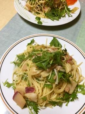 赤カブと水菜のたこわさパスタ。ゆず風味