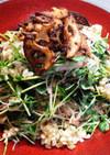 豆苗と春雨の揚レンコンと押し麦のサラダ