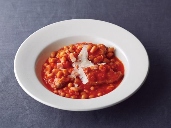 豚肉と白いんげん豆のトマト煮込み