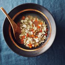 豚肉と根菜の塩麹スープ