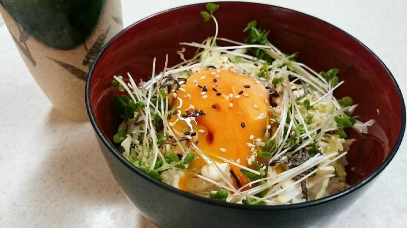 *ごま油香る✳塩キャベツ卵かけご飯*