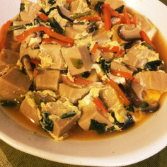 高野豆腐と野菜のたまごとじ