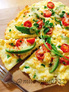 卵とアボカドトマト☆チーズ卵の低糖質ピザ
