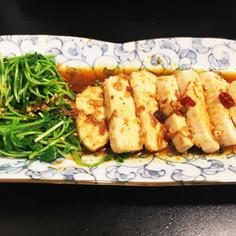 レンジで☆ピリ辛!中華風蒸し鶏 豆苗添え