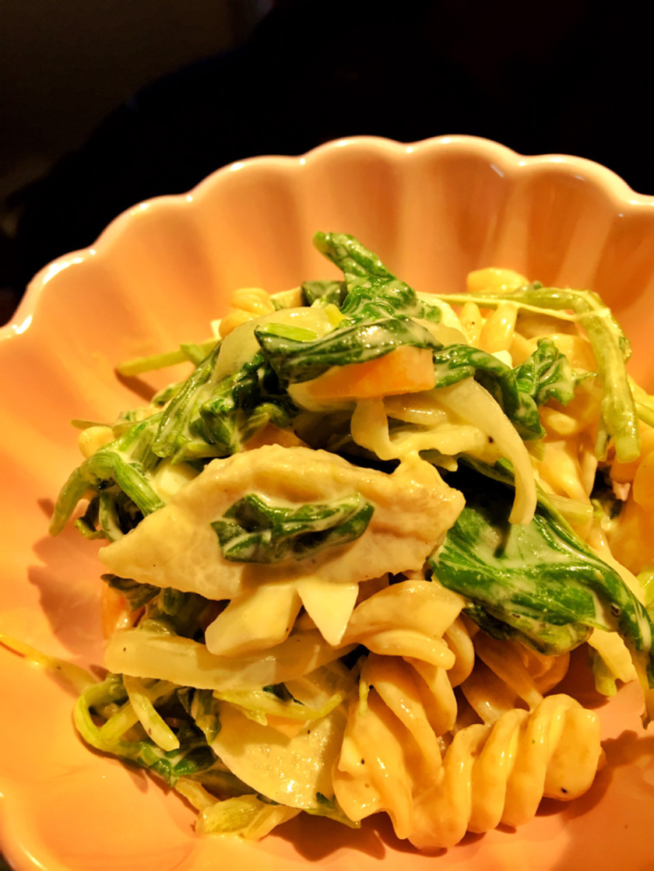 豚トロと野菜たっぷりのマカロニサラダ