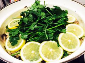 パクチーレモン鍋