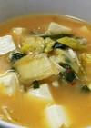 キムチと豆腐のピリ辛みそ汁
