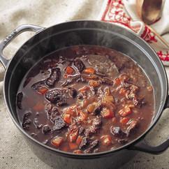 牛すね肉と野菜の赤ワイン煮