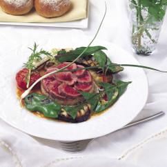 ゆで仔羊とグリル野菜のサラダ