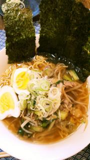 マルちゃん正麺醤油味のセロリラーメンの写真