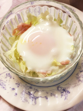 簡単♪キャベツとハムと卵のココット