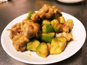 鶏肉とアボカドのわさび醤油炒め