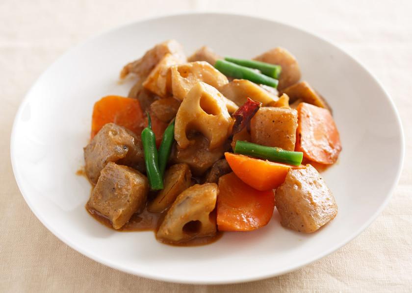 根菜とこんにゃくのピリ辛味噌煮