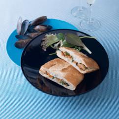 ホットサンド ムール貝の白ワイン蒸し
