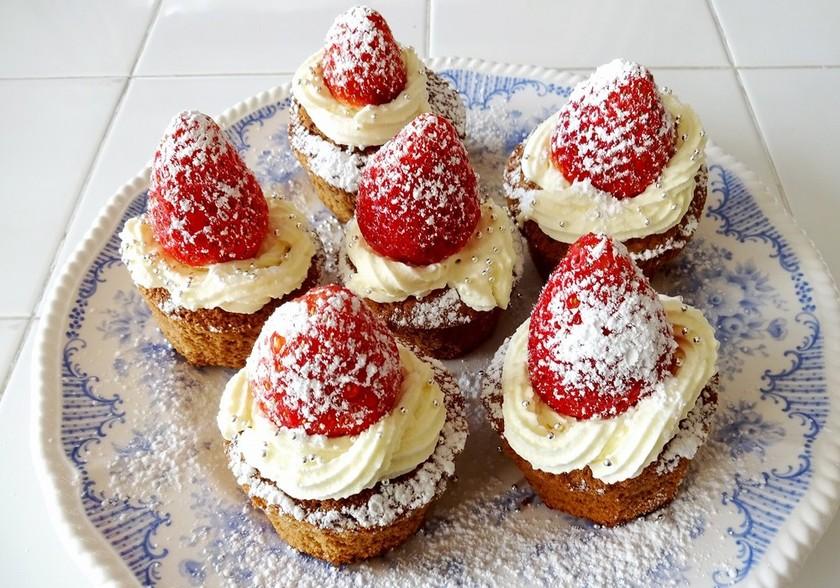 【ふりふりクリーム】ココアカップケーキ