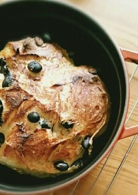 おせちの黒豆入り♪こねないパン
