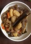 里芋と蒟蒻と豚肉と玉ねぎと人参の煮物