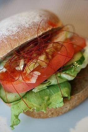 アジア風?!ピーナッツバター野菜サンド