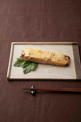 子供も喜ぶ♪簡単サーモンの味噌チーズ焼き