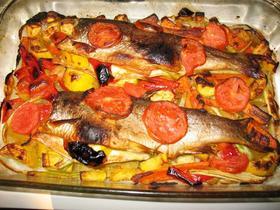 ブルガリア マスと野菜のオーブン焼き