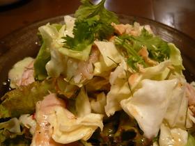 鶏とキャベツのタイ風サラダ