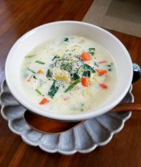 ほっこりする豆腐と野菜のクリームスープ♪