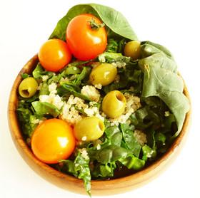 ちぢみほうれん草とキヌアのビタミンサラダ