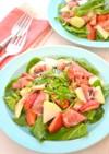 コールラビといちご、ルッコラのサラダ