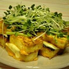のりとチーズを挟んだピリから豆腐ステーキ
