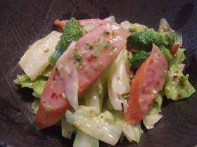 キャベツとソーセージのマスタードサラダ