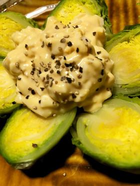 芽キャベツのアンチョビエッグソース