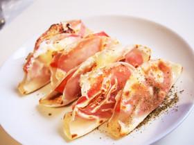 餃子の皮で!簡単おつまみトマトチーズ!