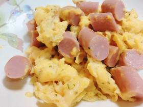 お弁当に*魚肉ソーセージ*卵