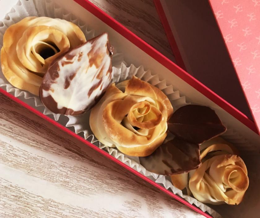 餃子の皮で簡単♡ローズチョコバレンタイン
