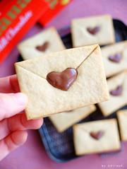 ガーナで工作♡可愛いラブレタークッキー!の写真