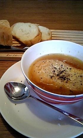 ホッとできるオニオングラタンスープ