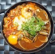 本格スンドゥブチゲ(豆腐チゲ)の写真