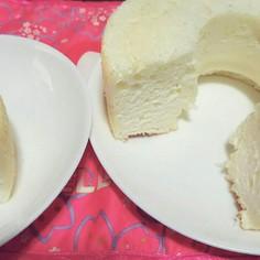 白くて可愛いエンゼルフードケーキ