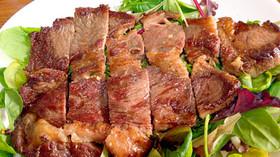 簡単な塩味牛肉ステーキ