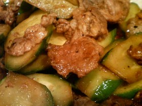 きゅうりと豚肉の香り炒め