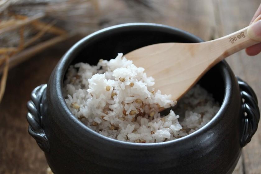 【便秘に】もち麦ご飯の炊き方。TVで話題